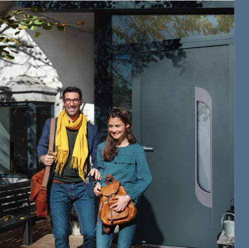 BEL''M-Expérience - Porte d''entrée bleu aluminium - vitrée laquée