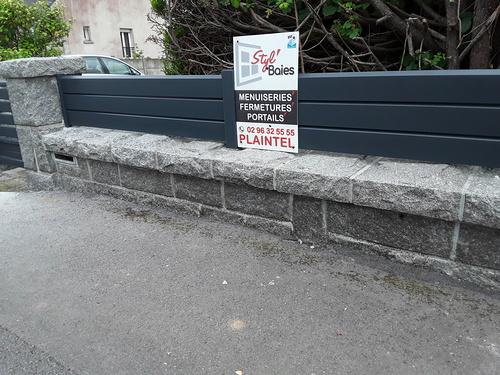 Portail, portillon et clôture CHARUEL à Saint-Brieuc / Gris anthracite