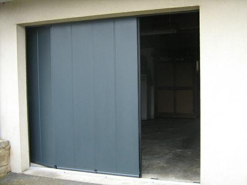 Porte de garage latérale ISOSLIDE motorisée