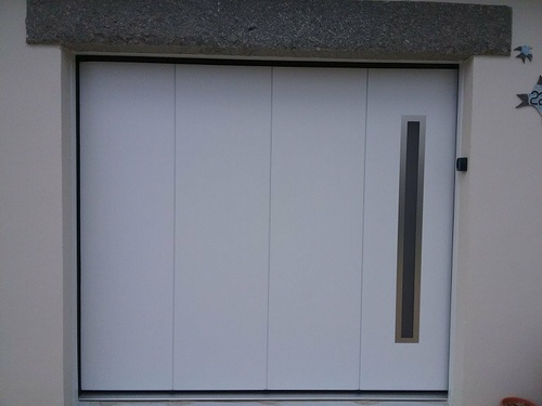 "Porte de garage latérale ""SDA"""
