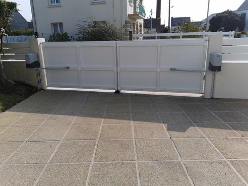Pose clôture et portail de clôture PVC blanc - Plérin