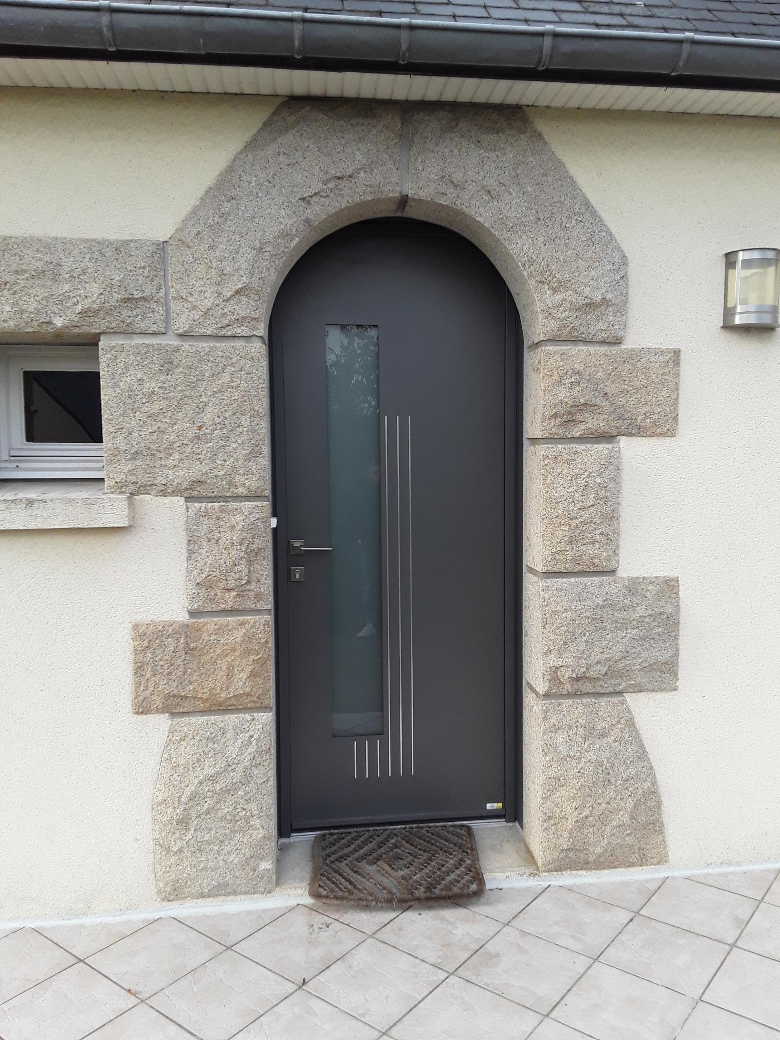 Remplacement porte d''entrée et porte de garage