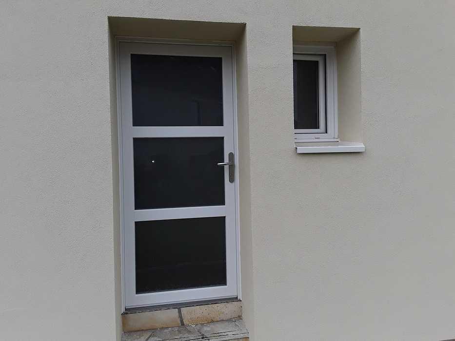 Menuiseries PVC blanc en rénovation à Saint-Brieuc (22) 11