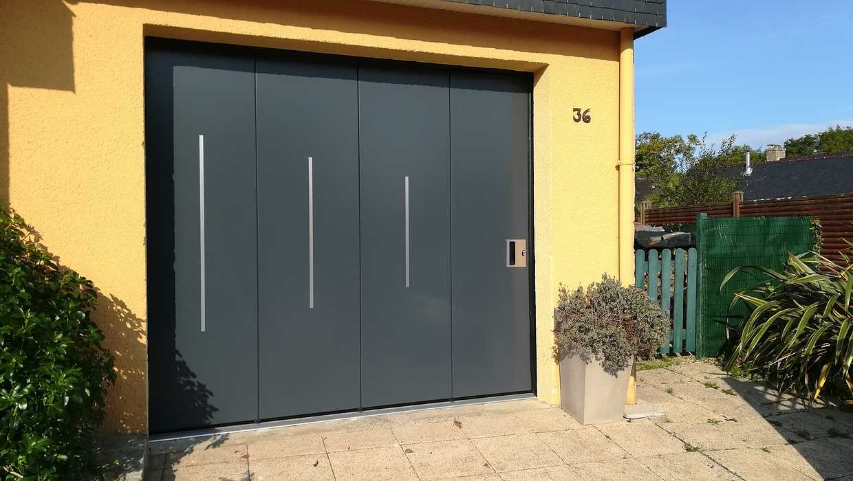 Pose d''une porte de garage sectionnelle isolante latérale / Paimpol bocherpaimpol2