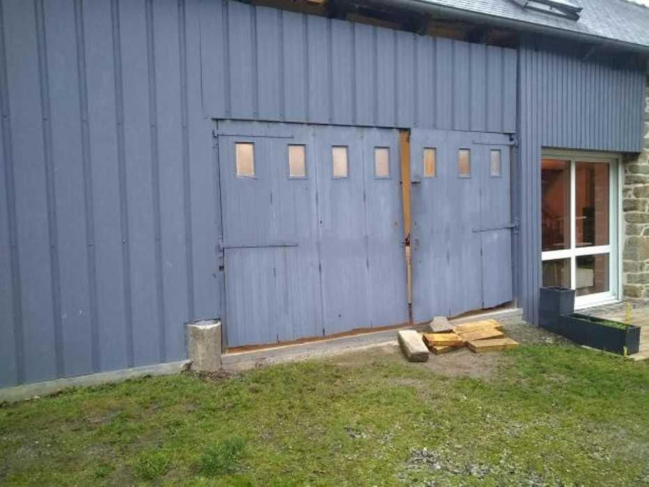 Portes de garage battantes PVC et bardage - St Brandan 1legrandstbrandanpgbardageavant