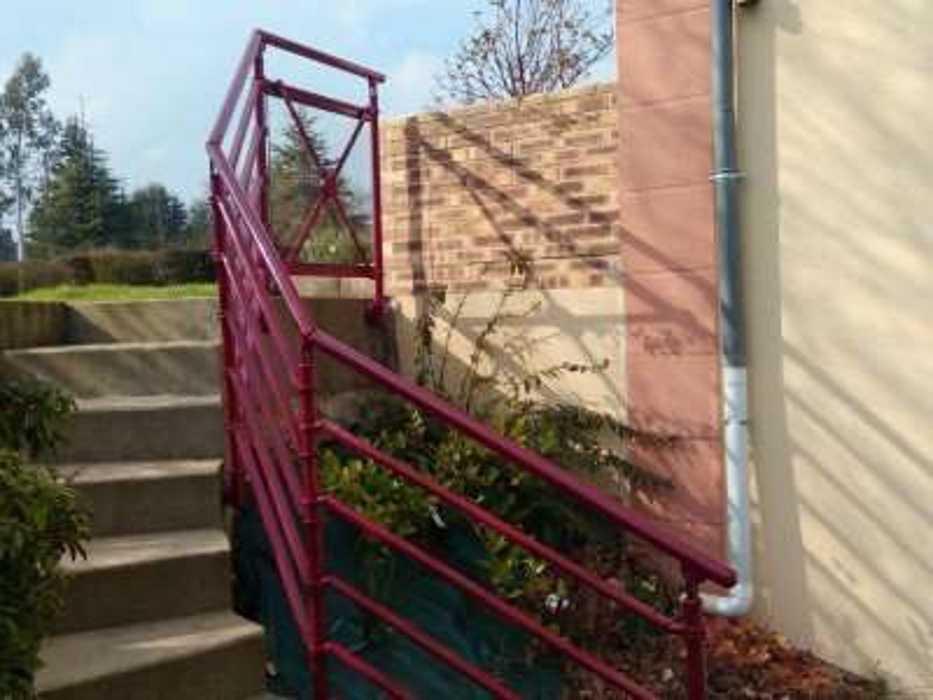 Garde-corps en aluminium pour escalier 83-2